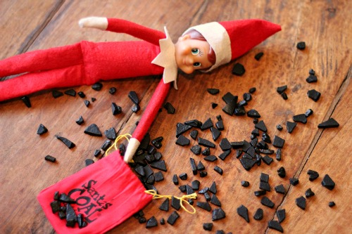 elf-on-the-shelf-coal-in-stocking