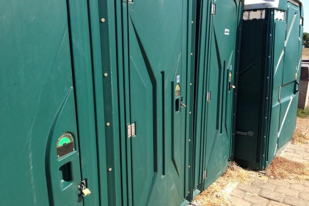 gravelly-point-toilets-locked-nps-michaelbyrnes_606